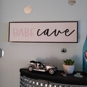 Babe Cave Picture for Sale in Puyallup, WA
