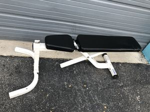 Adjustable weight bench home gym for Sale in Miami, FL