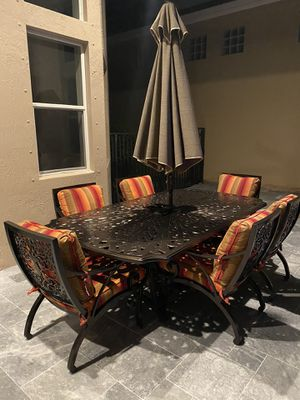 Brown Jordan outdoor furniture with new cushions for Sale in Delray Beach, FL