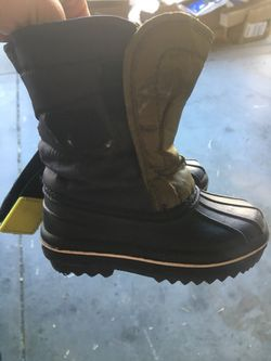 Boots children's place size 5 for Sale in Thornton,  CO