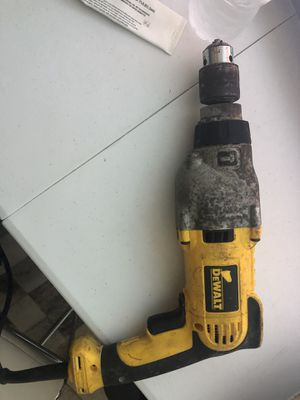 Drill Dewalt used but no working right now for Sale in Miami, FL