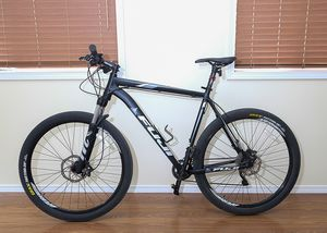 Fuji Tahoe Mountain Bike. Excellent condition for Sale in Seattle, WA