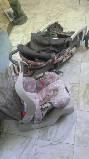 Graco Connecting Car Seat And Stroller A.K.A. Travel System for Sale in Pikesville, MD
