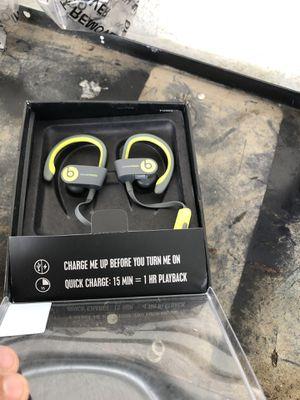 Power beats 2 wireless for Sale in Delano, CA