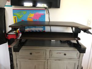 Sit and Stand Up Desk for Sale in Los Angeles, CA