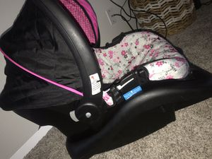 Car seat for Sale in Broken Arrow, OK