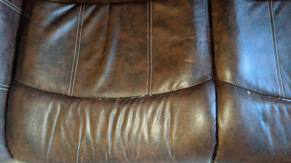 Recliner sofa (free to pick up!)