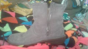 Uggs size 6 for Sale in Cleveland, OH