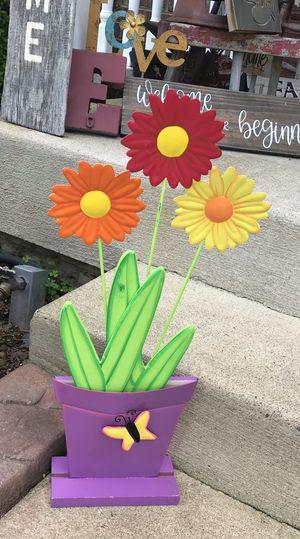 Medal Flower Pot Decor for Sale in Stafford, VA