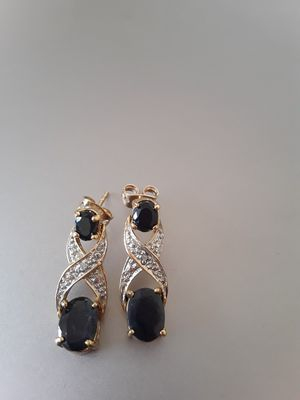 Gorgeous earings with diamonds 14k for Sale in Chicago, IL