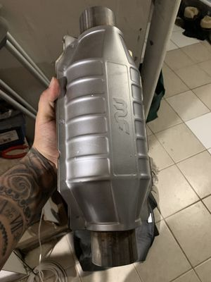 Universal catalytic converter MAGANAFLOW for Sale in Silver Spring, MD