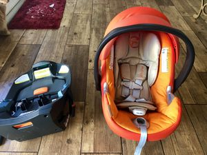 Cybex Aton q infant car seat with base for Sale in Orlando, FL