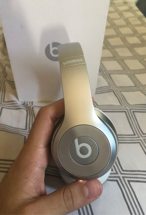 Beats solo wireless READ DESCRIPTION for Sale in The Bronx, NY