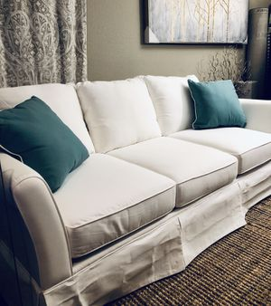 ⭐️NEW⭐️ Wayfair Classic bleach white Sofa. Opened for pictures only no stains no rips. LOOK ON MY ACCOUNT FOR MATCHING SOFA LOUNGE for Sale in Clovis, CA