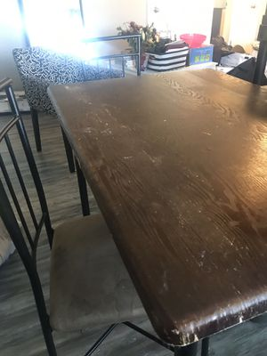 Free table for Sale in Aurora, CO