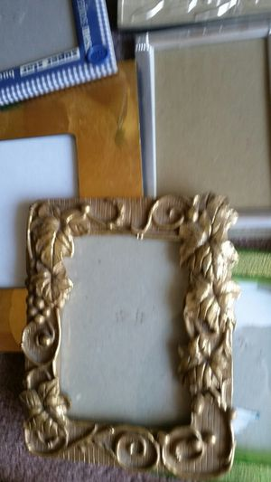 15 fancy so gorgeous frames any sizes for Sale in Moreno Valley, CA