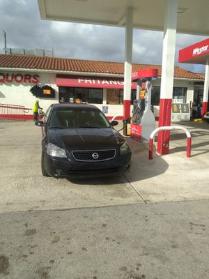 06 altima special edition ser for Sale in Hialeah, FL