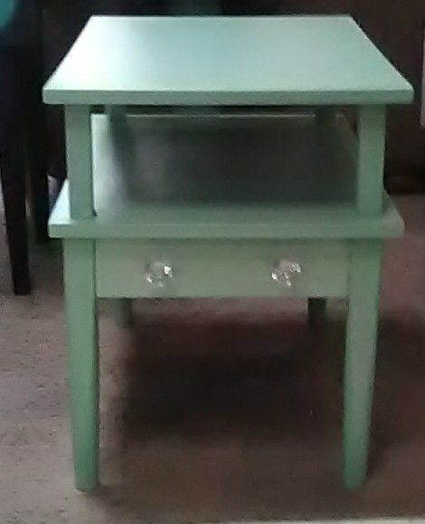 Mint end table