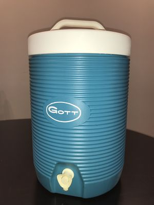 2 Gallon Drink Cooler w Faucet for Sale in Lockport, IL