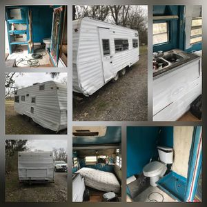 18 foot hitch pull camper. ( needs work) for Sale in Lafayette, LA