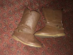 Girl boots size 6c for Sale in Vista, CA