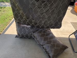 RV king comforter Includes pillows for Sale in Waxahachie, TX