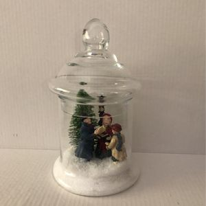 """CHRISTMAS DECORATION. Used Excellent Condition . Size 10"""" inches Tall X 6"""" Inches Wide for Sale in Miami, FL"""