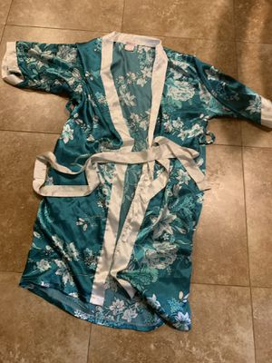 Kimono Style Robe (Large) for Sale in MONTGOMRY VLG, MD