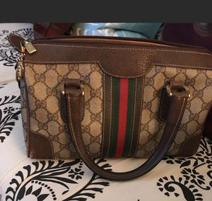 Small bag Gucci original for Sale in Charlotte, NC