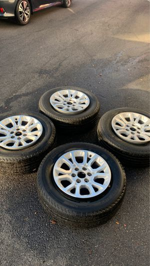 """GMC DENALI 18"""" rims + tires for Sale in Queens, NY"""