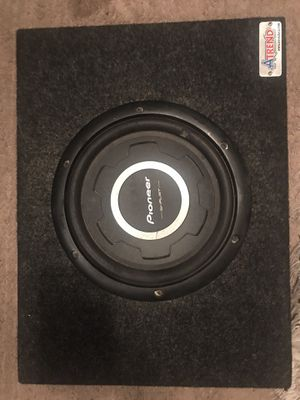 """10"""" pioneer subwoofer and box for Sale in Petersburg, VA"""