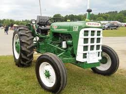 Oliver 550 tractor for Sale in Mount Vernon, OH