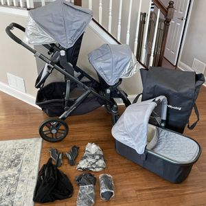 Uppababy Vista double stroller for Sale in Bartlett, IL