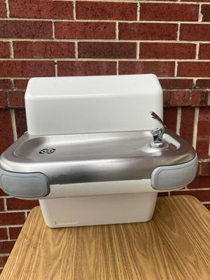 Wall water fountain/ Fuente de agua de pared for Sale in Arlington, TX