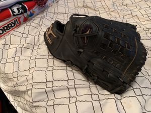Mizuno men's softball glove for Sale in Glendora, CA