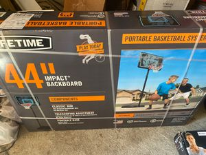 Brand new basketball hoop never even opened. for Sale in Vancouver, WA