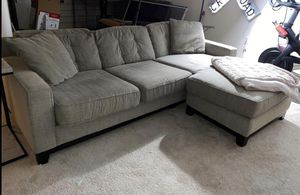 Gray/beige reversible chaise sofa *free delivery available for Sale in Dublin, OH