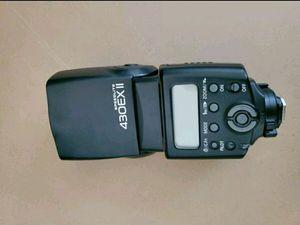 Canon Speedlite 430EX II Flash for Canon Digital SLR Camera for Sale in Spring, TX