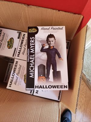 HALLOWEEN MICHAEL MYERS HEAD KNOCKERS STATUE HORROR TOY FIGURE for Sale in Simpsonville, SC