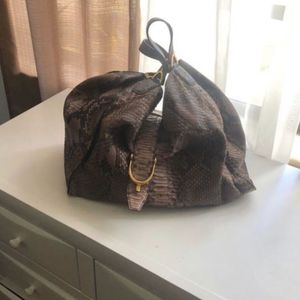 Large GUCCI bag, 100% genuine python leather and authentic for Sale in Hollywood, FL