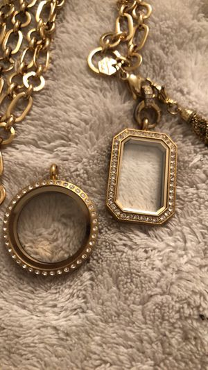 Origami owl lockets, necklace and dangle for Sale in Puyallup, WA