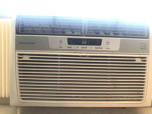 Frigidaire Window Air Conditioner Unit for Sale in Columbus, OH