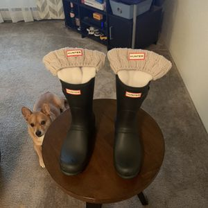 HUNTER Rain Boots Black Woman Size 9 w/socks for Sale in Everett, WA