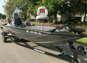 GREAT Bass Tracker for Sale in Aurora, IL