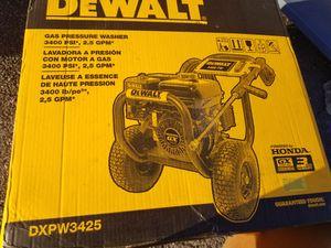 dewalt with honda GX200 3,400 PSI 2.5 GagPM Gas Pressure Washer for Sale in Brockton, MA