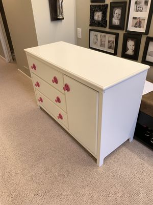 White dresser/changing table for Sale in Seattle, WA