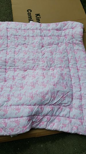 Baby crib sheets for girl for Sale in Waterford Township, MI