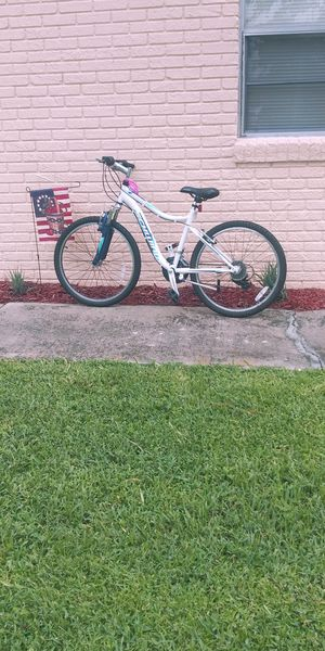 "Girls 24"" Schwinn Ranger 7 Speed Bike for Sale in Lake Alfred, FL"