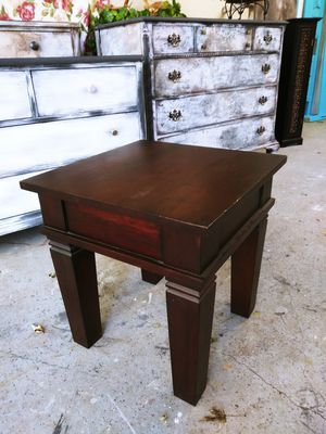Nightstand / Side Table Rustic. 20H x 19 x 19 for Sale in Joliet, IL
