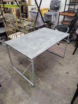 Desk/ dining table for Sale in Las Vegas,  NV